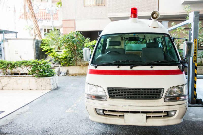 事故に遭遇したら救急車を119