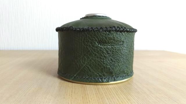 レザークラフトで自作した緑のOD缶カバー
